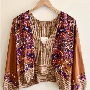 FREE PEOPLE Blouse🧡With bell sleeves!